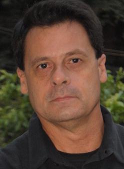 Dr. Regis Salgado