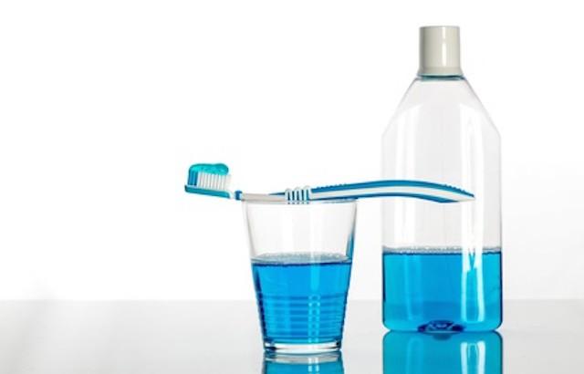 Mundsplung und Zahnbrste