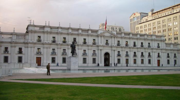Santiago Palacio-de-la-Moneda-Por-Rodrigo-Correia-e1455541173836